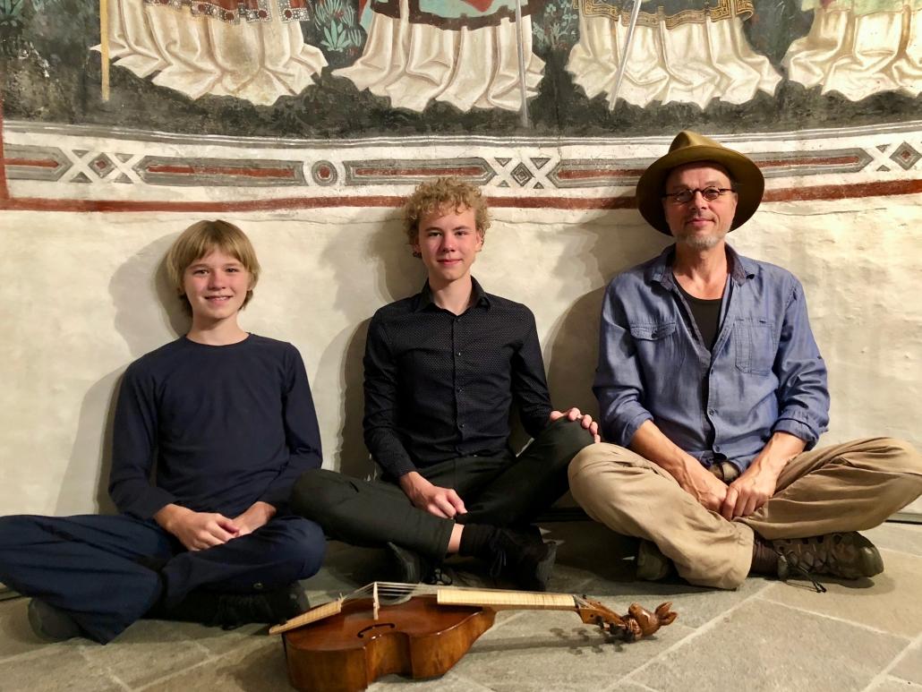 Die Kornblum-Familie in der Georgskirche Taisten/ Südtirol. Foto: Astrid Körner