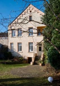 Kornblum-Familie im Weserhaus/ Bodenwerder